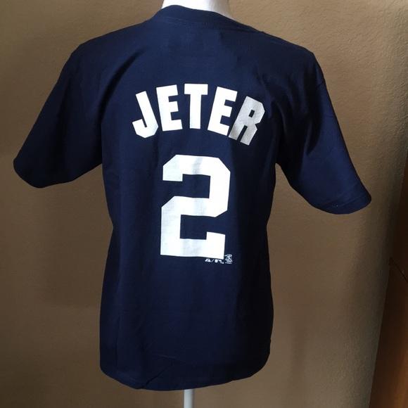 089eda709 Derek Jeter New York Yankees T Shirt Large. NWT. Majestic